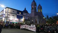 La Unión de Comerciantes y vecinos se manifestaron ayer hacia la Jefatura de Policía. Foto: R. Figueredo
