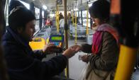 Los ómnibus bajo inspección. Foto: archivo El País