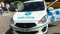 Uno de los vehículos que participó de la detención de la trabajadora en Pocitos. Foto: Gentileza de un lector.