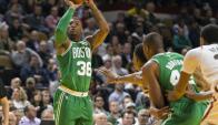 Boston Celtics y Milwaukee Bucks. Foto: AFP.