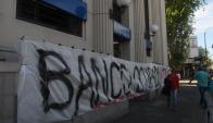 """El sindicato de AEBU denuncia """"achique"""" y """"privatización"""" del BROU. Foto: A. Colmegna"""