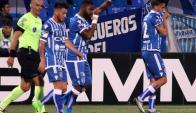 """El festejo de Santiago García con su gol en el """"Tomba"""". Foto: @ClubGodoyCruz"""