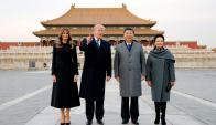 Trump y su esposa Melania en el histórico complejo que fue residencia de emperadores hasta principios el siglo XX. Foto: Reuters