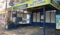 Tras el robo, las propietarias del local cerraron el local cuatro horas antes. Foto: El País