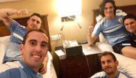 Godín, Cebolla, Stuani y Cavani en la concentración celeste. Foto: @diegogodin