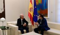 Mariano Rajoy al recibir al dirigente opositor venezolano, Antonio Ledezma. Foto: Reuters