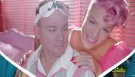 """Imagen del video de la canción """"Beautiful Trauma"""""""
