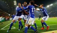 El festejo de Naldo con el gol de Schalke 04 en el derby con Borussia Dortmund. Foto: Reuters