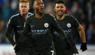 Kevin De Bruyne, Raheem Sterling y Sergio Agüero en el partido de Manchester City. Foto: AFP