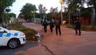 Policía trabaja en Tres Ombúes por un homicidio. Foto: El País