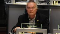 Roberto Gossi en la Junta Departamental. Foto: Fernando Ponzetto
