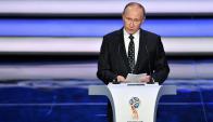 El discurso del presidente ruso Vladimir Putin en el sorteo del Mundial. Foto: AFP