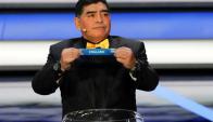 Diego Maradona en el sorteo del Mundial. Foto: EFE