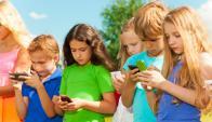 Niños en las redes sociales. Foto: Shutterstock