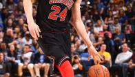 Markkanen jugando para los Chicago Bulls. Foto: @MarkkanenLauri