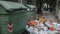 Basura: comienza a colmar contenedores. Adeom dice que a fin de año será peor. Foto: F. Flores