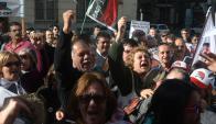 Los cincuentones presionaron a lo largo del año en cada presencia pública de Vázquez. Foto: A. Colmegna