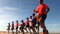 Antes. Calentamiento y estiramiento antes y después de correr. Foto: Francisco Flores