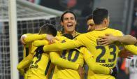 Edinson Cavani festeja el gol de PSG. Foto: AFP