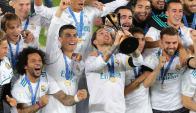 Sergio Ramos levantó su tercer Mundial de Clubes con Real Madrid en los últimos cuatro años. Foto: Reuters