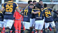 Victoria del Hellas Verona sobre el Milan con Martín Cáceres titular