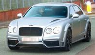 Pep Guardiola se mueve por Manchester con un Bentley GTX700