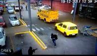 Imágenes del momento en que robaron la remesa. Foto: El País
