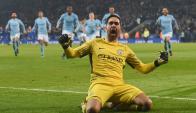 Claudio Bravo ante el Leicester. Foto: Reuters