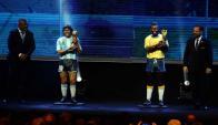 Estatuas de Maradona y Pelé en Conmebol. Foto: EFE