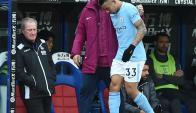 Gabriel Jesús sale lesionado ante el Crystal Palace. Foto: EFE