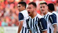 Junior Arias celebrando un gol en Talleres de Córdoba