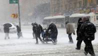 Nueva York y otras localidades del estado fueron declaradas zona de emergencia por la fuerte nevada y la ola de frío. Foto: Reuters