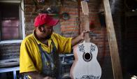 """La película """"Coco"""" de Disney causa furor por guitarras mexicanas."""