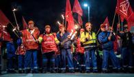 """Los trabajadores de la metalúrgica en una de sus movilizaciones"""". Foto: AFP"""
