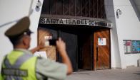 Santiago: la Iglesia Santa Isabel de Hungría fue blanco de un ataque. Foto: AFP