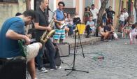 Cerca de 2 mil músicos y 15 mil personas participan del Jazz a la Calle en Mercedes. Foto: D. Rojas