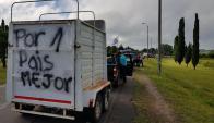 Gremiales del agro salieron a cortar las rutas en Paysandú. Foto: Tommy Balbis