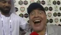Diego Maradona festeja el triunfo de su equipo.