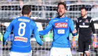 Mertens y Jorginho celebran el gol del Napoli