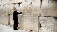 El vicepresidente Mike Pence en el Muro de los Lamentos, sitio sagrado para el pueblo judió. Foto: Reuters