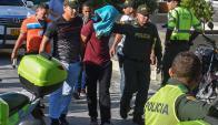 Un hombre fue detenido en los alrededores de la comisaría. Foto: AFP
