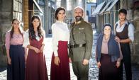 Halit Ergenc y Bergüzal Korel regresan a la television con una telenovela histórica.