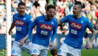 Dries Mertens hizo dos goles para la nueva victoria del Napoli