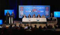La ceremonia del sorteo del fixture del Campeonato Uruguayo. Foto: Ricardo Figueredo