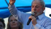 Lula confirmó su candidatura para octubre, pero su destino está en la Justicia. Foto: Reuters