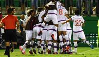 Los jugadores de Nacional celebrando el gol de Santiago Romero