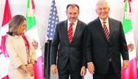 Cancilleres: Tillerson ayer con el mexicano Luis Videgaray. Foto: Reuters