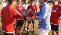 Gallardo con los juveniles de River. Foto: Prensa River Plate