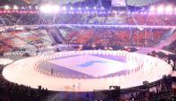 Un momento de gran emoción fue el desfile de los atletas de las dos Coreas bajo una misma bandera. Foto: AFP