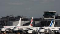 El aeropuerto City de Londres evacuado por el hallazgo de una bomba de la Segunda Guerra Mundial. Foto: Reuters
